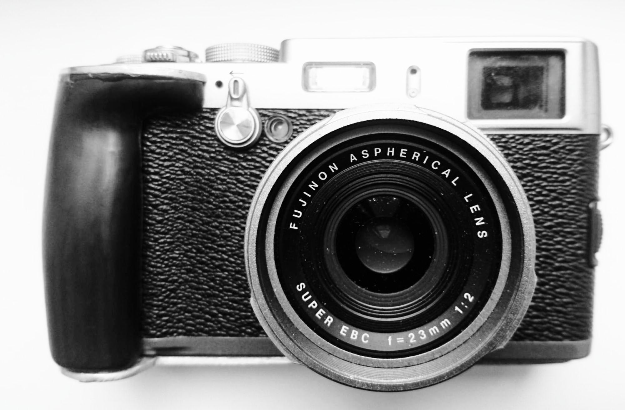 Fujifilm x100 © Ivo Schneider